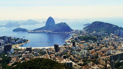 Brasile: ballando sotto la tempesta