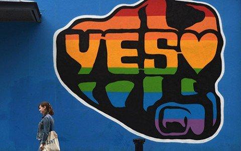 MATRIMONI GAY IN IRLANDA, UNA CONQUISTA DI CIVILTA' IN BARBA AI FONDAMENTALISMI