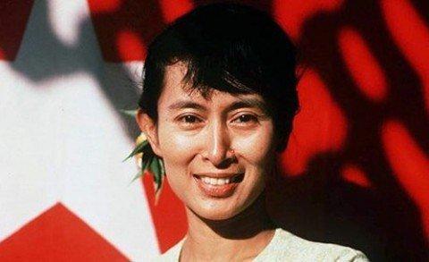 Mayanmar: storica vittoria di Aung San Suu Kyi
