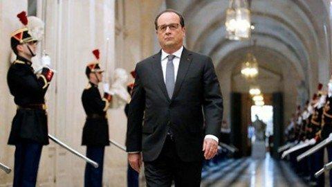"""Hollande: """"Guerra contro l'Isis"""". E chiede aiuto ai Paesi dell'Ue"""