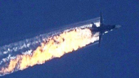 """Turchia abbatte caccia russo. Putin: """"Ankara complice dei terroristi"""""""