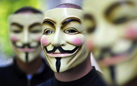 """Attacco hacker di Anonymous al sito del Family Day: """"Stop Omophobia"""""""