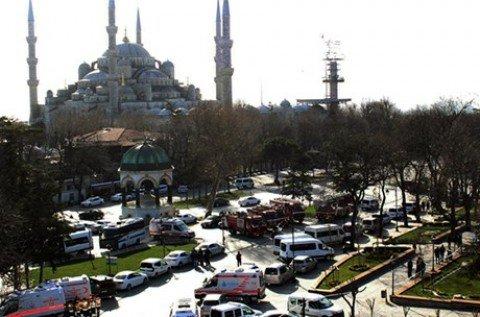 Istanbul, kamikaze fa 10 morti e 15 feriti. 8 vittimesono tedesche