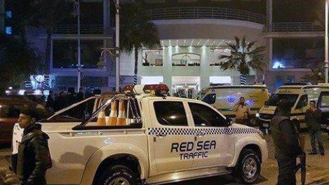 Egitto, assalto a resort di Hurghada: turisti feriti. Commando arrivato dal mare