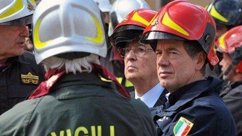 """Lettera degli aquilani ai romani: """"Bertolaso sindaco? Qui ha fatto solo danni"""""""