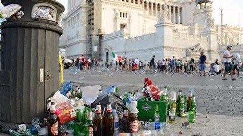 """""""Roma sprofonda nel degrado"""", Codacons denuncia Tronca in Procura"""
