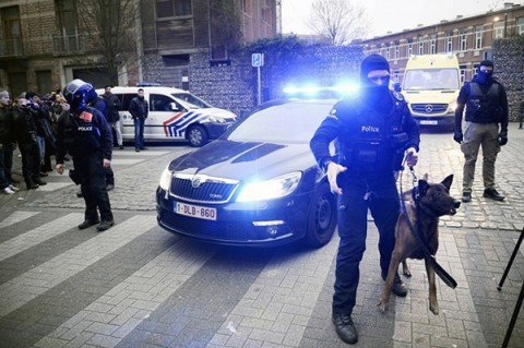 Ferito e arrestato Salah Abdeslam, il 'regista' delle stragi di Parigi