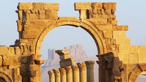 Siria, jihadisti Is si ritirano dalla cittadella di Palmira