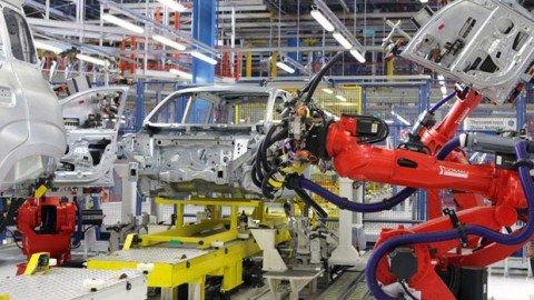 Istat: balzo della produzione industriale a gennaio +1,9%