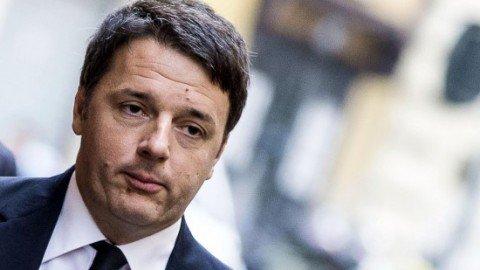 """Minoranza dem non firma per il referendum, Renzi: """"Vi opponete a tutto"""""""