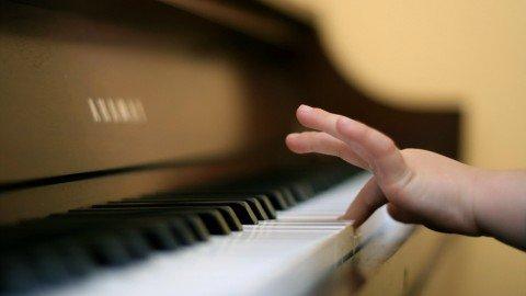 Tutti i motivi per far ascoltare musica ai vostri figli