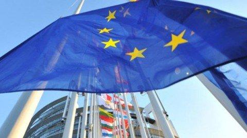 """UE all'Italia: """"Ok massima flessibilità ma sforzo su conti"""""""