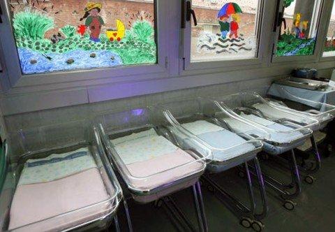L'Italia e il crollo nascite, 150mila abitanti in meno