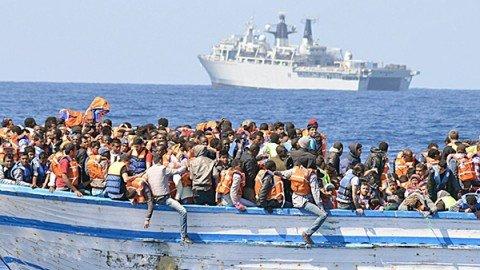 """Migranti, Guardia Costiera: """"Solo oggi 20 nuove operazioni di soccorso"""", salvate 1.252 persone"""
