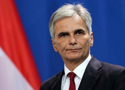 Austria nel caos, si dimette il cancelliere Faymann