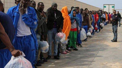 Migranti, per ogni euro speso in accoglienza ne torneranno indietro due