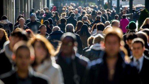 Istat: per la prima volta in Italia calano i residenti