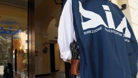Maxi-operazione contro la 'ndrangheta: indagato il vice presidente del Consiglio calabrese