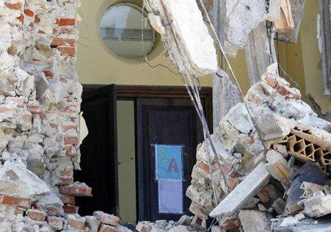 Nelle zone sismiche diecimila scuole rischiano di crollare