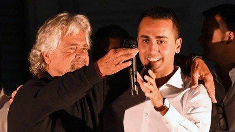 """Grillo a Nettuno: """"Il sistema contro di noi. Raggi va avanti"""". Di Maio: """"Ho sottovalutato la mail"""""""