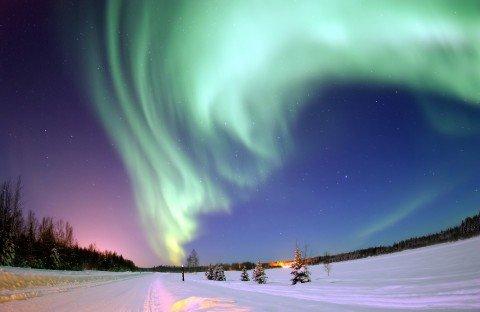 A testa in su per i colori dell'atmosfera: i fenomeni ottici