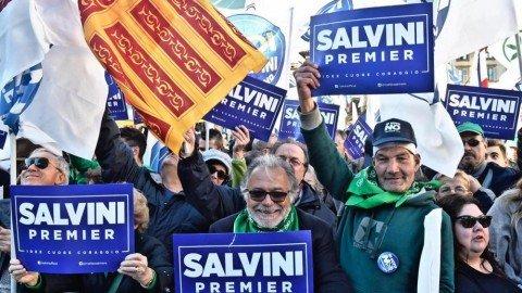 """Salvini si lancia come candidato premier, Parisi lo boccia: """"Non siamo quella roba"""""""