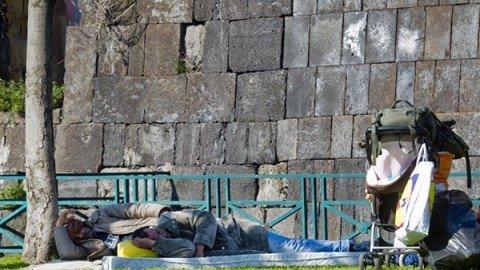 Dopo 10 anni di crisi la povertà è raddoppiata: al 7,6% in Italia