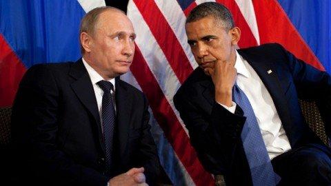 """Gelo Usa-Russia, la risposta di Putin: """"Noi non espelleremo diplomatici americani"""""""