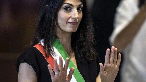"""Corruzione, arrestato il fedelissimo della Raggi Raffaele Marra: """"Spiccata pericolosità sociale""""."""