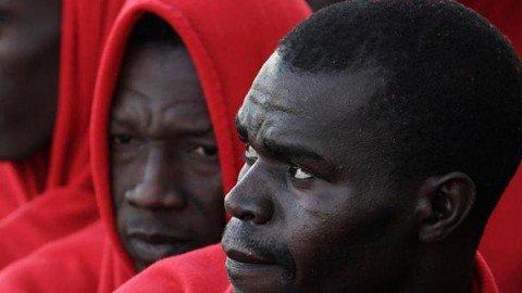 Stop ai barconi di migranti. L'Italia cerca l'accordo in Libia