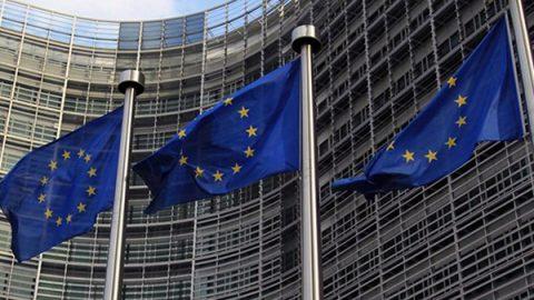L'Ue all'Italia: rischi sui conti se ci saranno le elezioni a giugno