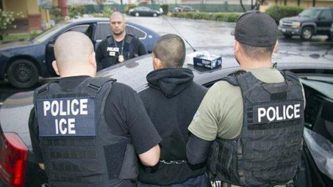 Usa, stretta sugli immigrati clandestini: migliaia di arresti