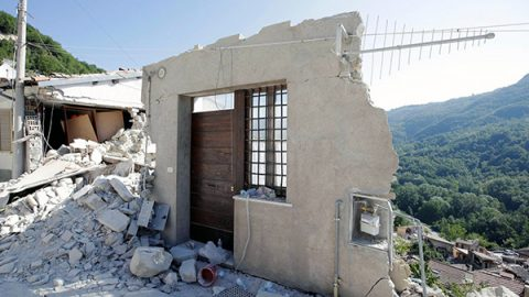 Non voleva andarsene di casa: arrestato l'ultimo abitante di Pescara del Tronto