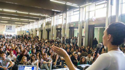 """Lettera di 600 docenti universitari al governo: """"Gli studenti scrivono male, dovete intervenire"""""""