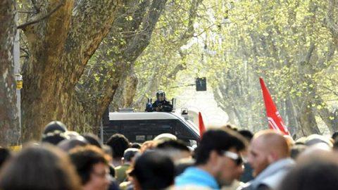 La festa per l'Europa e la paura dei black bloc, le due facce dei cortei: nessun incidente nelle strade di Roma
