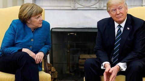 """Trump-Merkel, incontro teso. Il tycoon: """"L'immigrazione è un privilegio, non un diritto"""""""