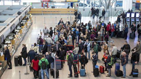 Regno Unito, computer in tilt: cancellati tutti i voli da e per Londra della British Airways