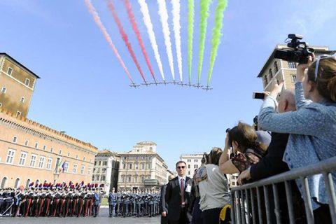 """Festa del 2 giugno, Mattarella: """"I valori del 1946 ci guidano per garantire un futuro di pace"""""""