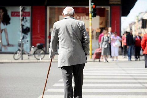 Sempre meno residenti e sempre più anziani: la fotografia dell'Italia nel 2016
