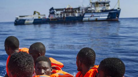 Nei porti italiani nuovi sbarchi. Proteste a Messina contro 50 migranti