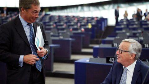 Juncker: L'Italia ha salvato l'onore dell'Ue sui migranti. Brexit? Momento tragico