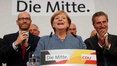 Merkel di nuovo cancelliera, ma il governo sarà difficile. Boom per l'estrema destra