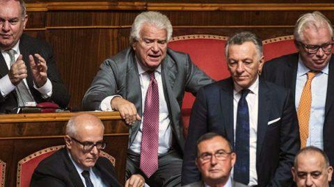 Ok finale del Senato, il Rosatellum bis è legge. Verdini: merito nostro. Grasso lascia il gruppo Pd