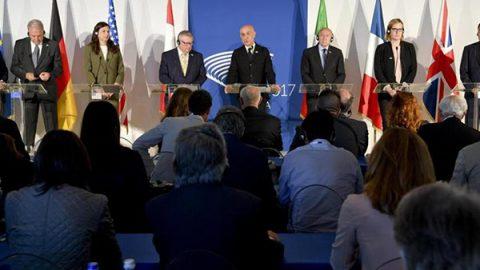 G7 a Ischia: intesa con i colossi del web, mentre resta alto l'allarme attentati aerei