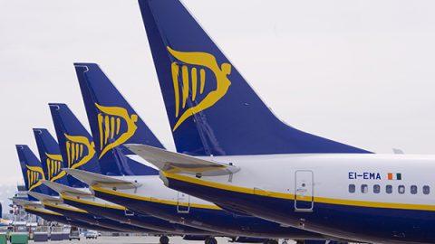 """Ryanair chiede scusa ai piloti e apre alle loro richieste: """"Aumenti e migliori condizioni di lavoro"""""""