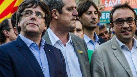Il governo catalano va in carcere. Puigdemont è in Belgio: ricercato