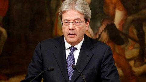 """Gentiloni: """"L'Italia accoglie i migranti. Proporrò invio truppe in Niger per fermare gli schiavisti"""""""