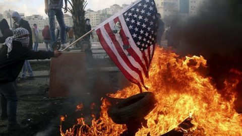 Gerusalemme capitale di Israele, Hamas chiama alla nuova Intifada: scontri e feriti
