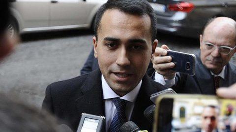 """Di Maio verso le elezioni: """"Voterei l'uscita dall'euro. Se non avremo il 40% appello ai partiti"""""""