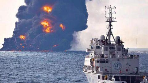 Cina, affonda petroliera con 136mila tonnellate di greggio: si teme un disastro ambientale